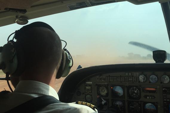 Missions Avions à Bangui : notre avion au service des populations isolées