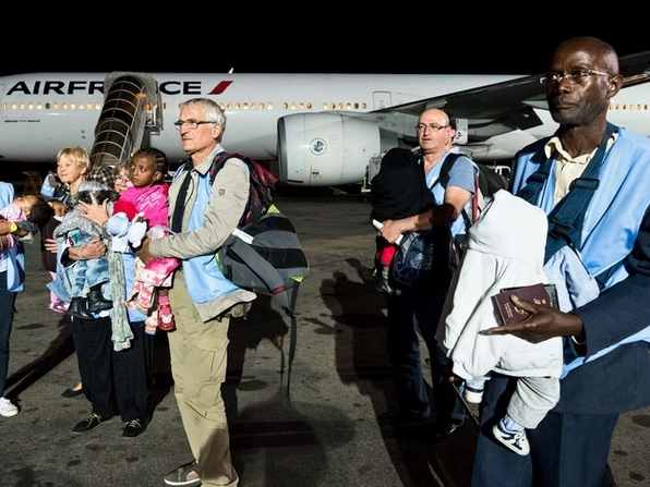 Special mission: Aviation Without Borders escorts 9 Madagascan children